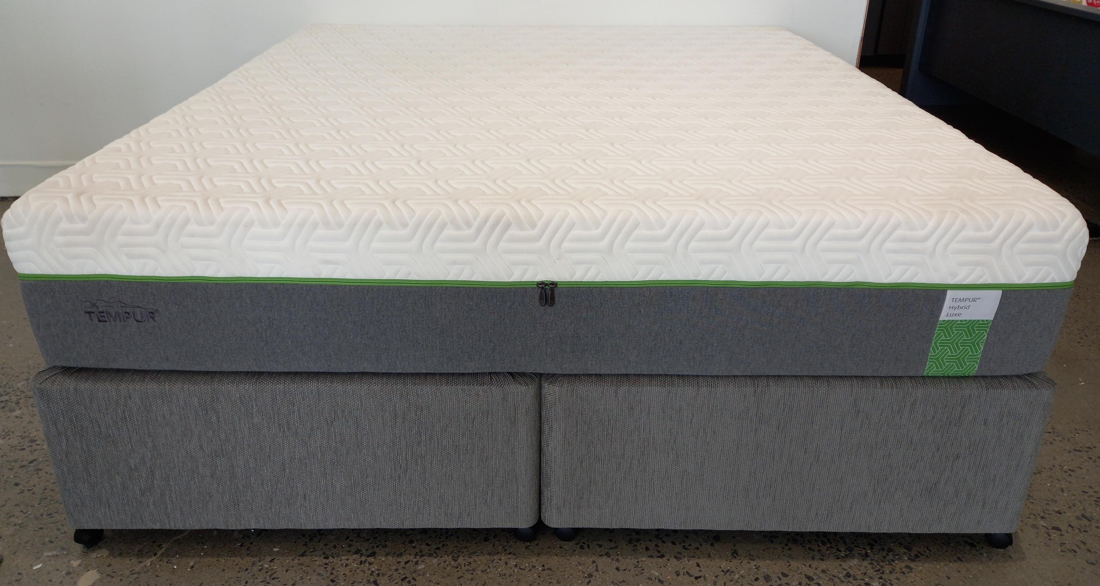 Tempur Hybrid Luxe Mattress + Base (6ft)