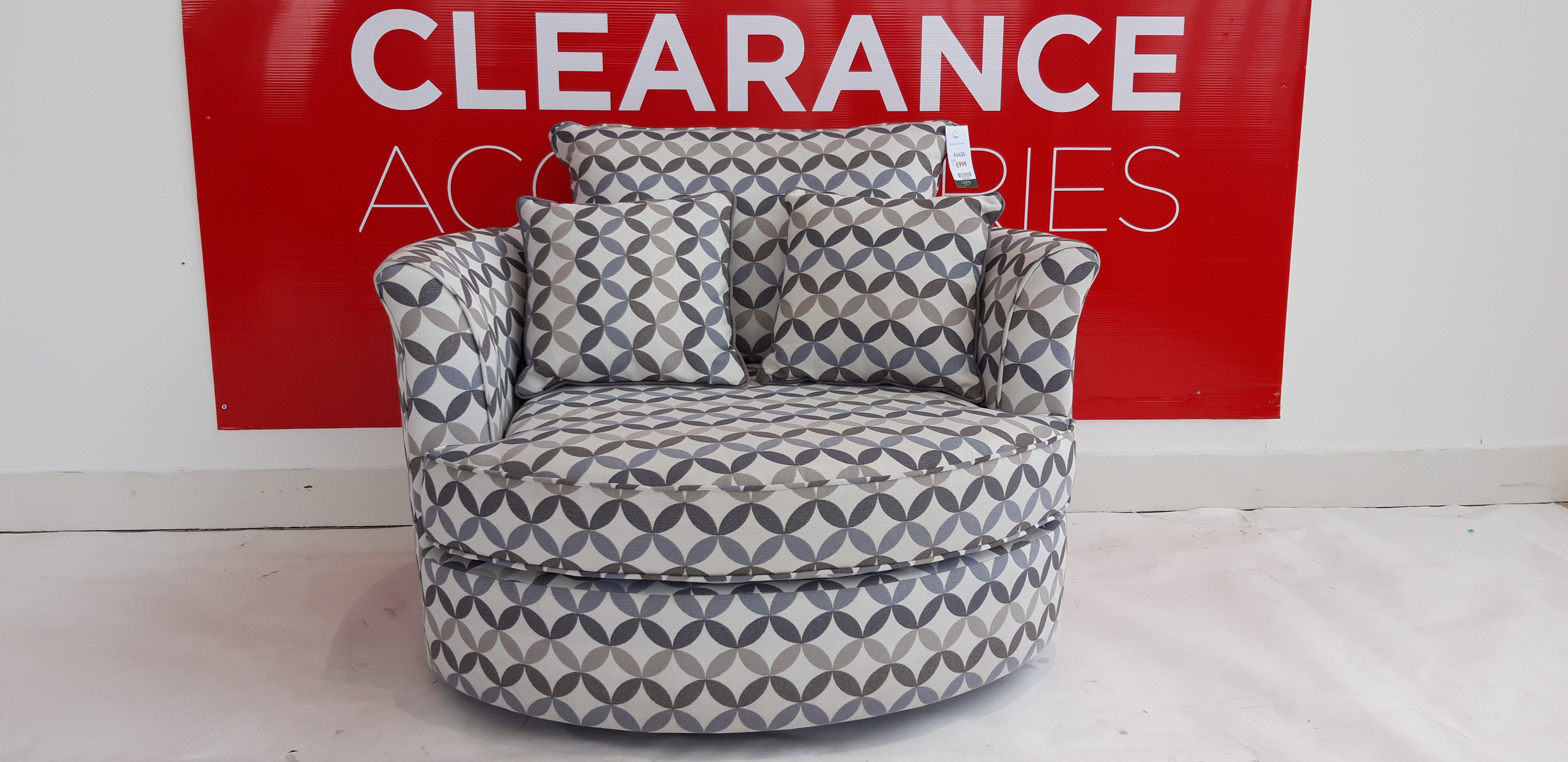 Swivel Chair - OUTLET