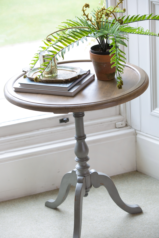 Carolina Orion Lamp Table