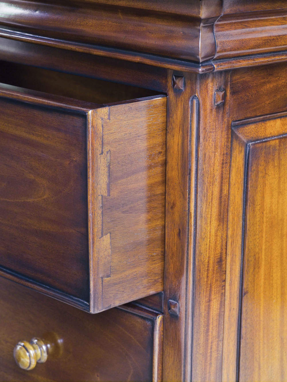 Loire 8 Drawer Wide Chest of Drawers