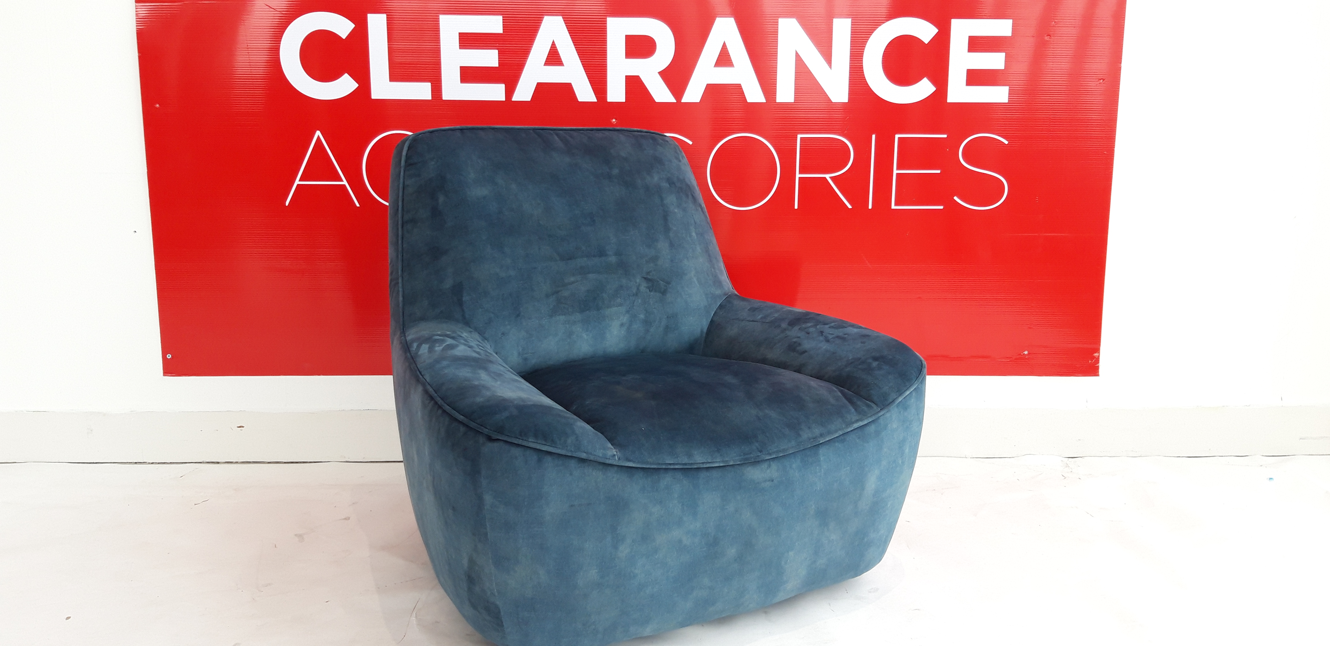 Azura Swivel Chair - OUTLET