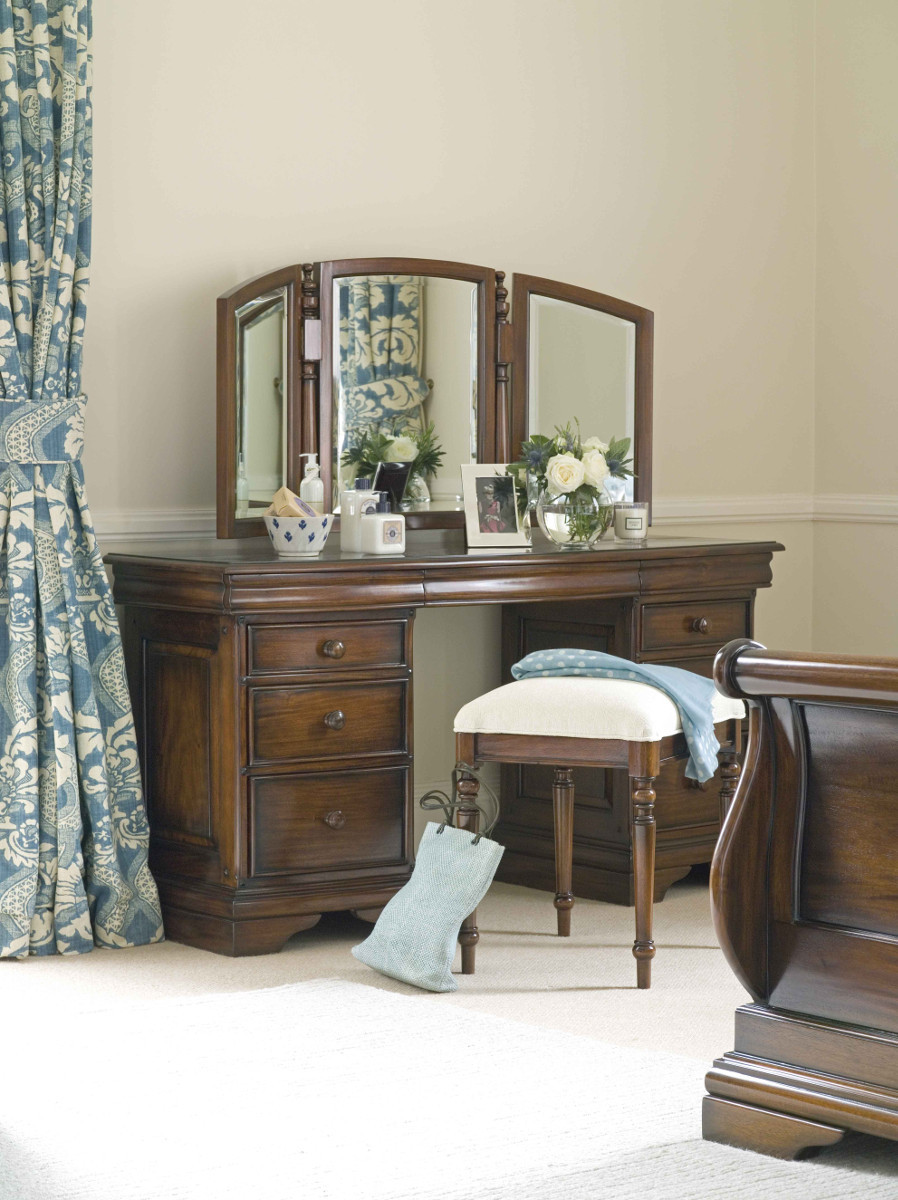Loire Upholstered Stool
