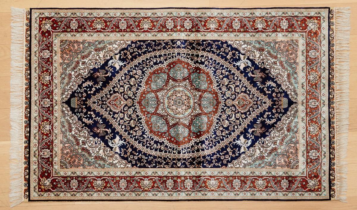 300 Line Silk 152x95 cm