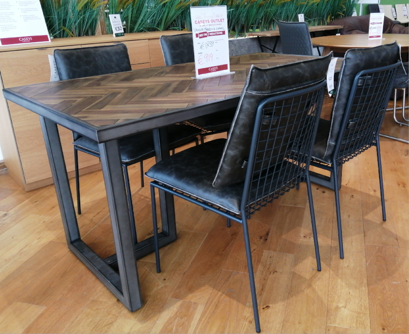 Vanya Table + 4 Harper Chairs