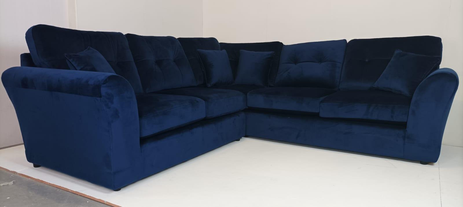 Toronto Sofa - OUTLET